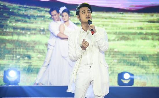 Quang Vinh hóa bạch mã hoàng tử trên sân khấu Sài Gòn đêm thứ 7