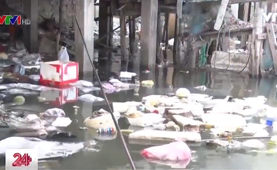 Vũng Tàu: Ô nhiễm cửa biển do xả rác bừa bãi