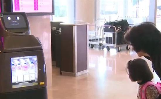 Nhật Bản thử nghiệm robot phục vụ tại khách sạn và sân bay