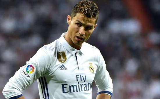 Ronaldo bị gạt khỏi đội hình Real Madrid