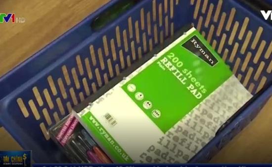 Doanh số bán lẻ tại Anh lấy lại đà tăng nhờ mùa tựu trường