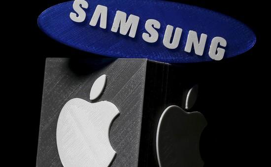 """Samsung chuẩn bị hết thời """"cửa trên"""" với Apple"""
