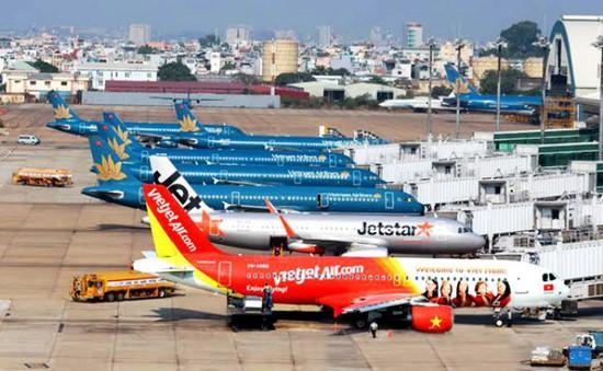 Các hãng hàng không khai thác trở lại các chuyến bay sau bão số 10