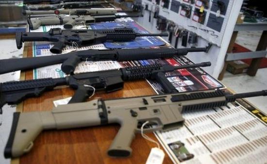 """Cổ phiếu ngành sản xuất súng đạn Mỹ """"nóng"""" sau vụ xả súng tại Las Vegas"""
