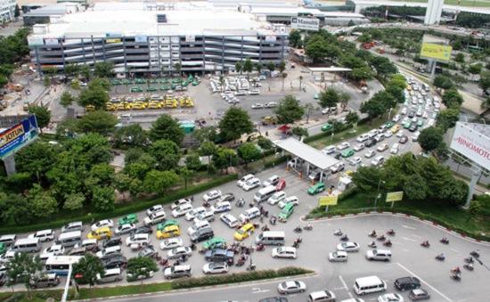 Thí điểm phương án chống ùn tắc tại khu vực sân bay Tân Sơn Nhất