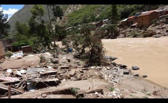 Peru: Người đàn ông thoát khỏi lở đất trong gang tấc
