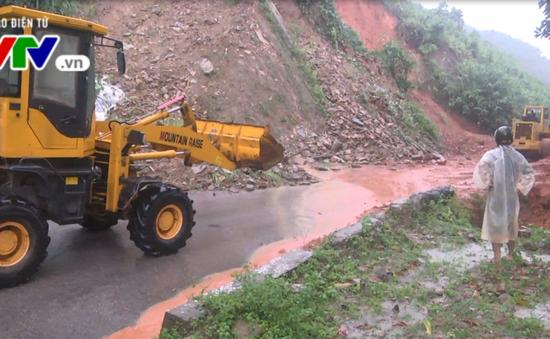 Quảng Nam: Lại sạt lở núi, 4 người bị vùi lấp hoàn toàn