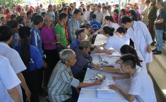 BV Tai Mũi Họng Trung Ương khám bệnh, phát thuốc miễn phí cho người dân vùng cao