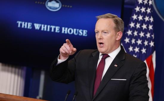 Nhà Trắng cấm một số hãng truyền thông vào họp báo