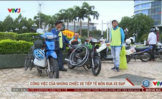 Công việc của những chiếc xe tiếp tế môn đua xe đạp
