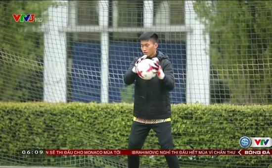 VIDEO: Thủ môn U20 Việt Nam được HLV người Đức chỉ bài