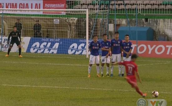 VIDEO: Minh Vương sút phạt ghi bàn tuyệt đẹp vào lưới CLB Hà Nội