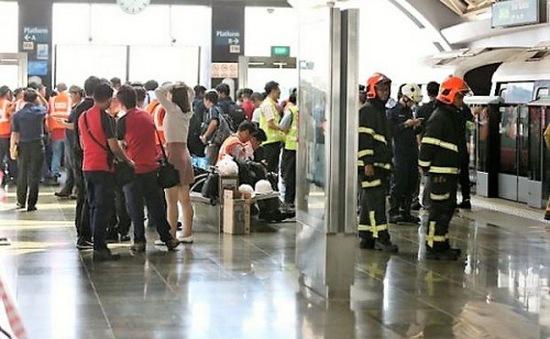 Tai nạn tàu điện ngầm ở Singapore, 25 người bị thương