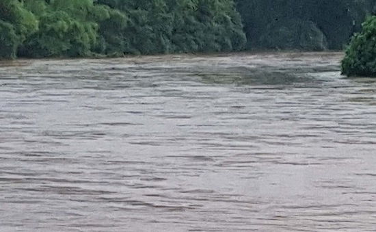 3 trẻ em tiểu học bị đuối nước dưới sông sâu
