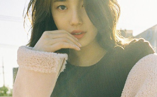 Hậu chia tay Lee Min Ho, Suzy đẹp mơ màng trên tạp chí