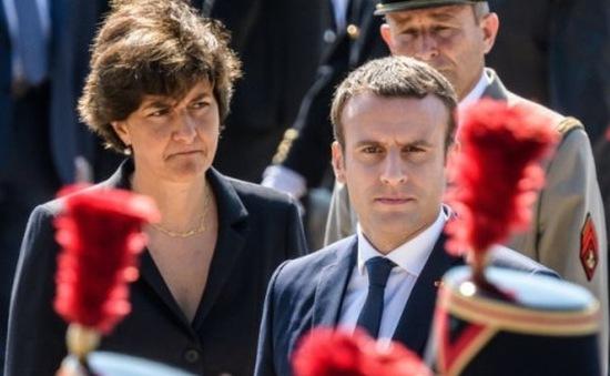 Nữ Bộ trưởng Bộ Quốc phòng Pháp tuyên bố từ chức