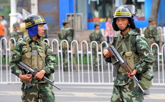 Trung Quốc lắp đặt định vị xe để chống khủng bố