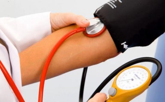 Tăng huyết áp gây biến chứng tim mạch, não, thận, mắt