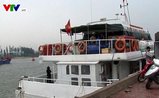 Tàu ra đảo Lý Sơn tiếp tục ngừng hoạt động