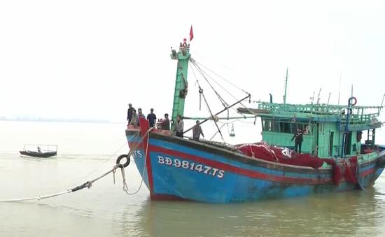 Cứu nạn thành công tàu cá Bình Định và 16 ngư dân gặp nạn