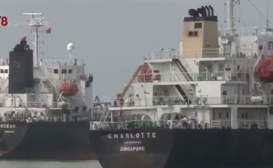Quảng Ngãi: Cảnh sát biển bắt giữ gần 9000 m3 dầu không hợp pháp