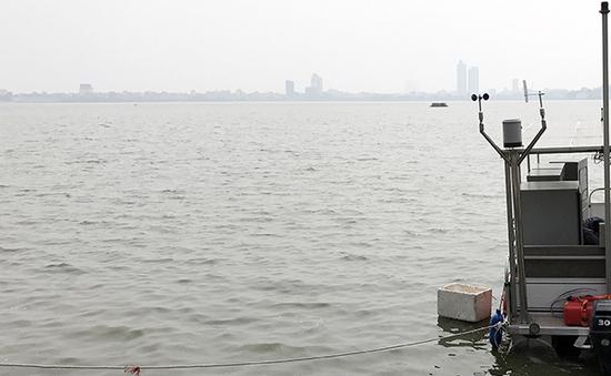 Ý tưởng chống ùn tắc ở Hà Nội: Mở tuyến taxi nước hồ Tây
