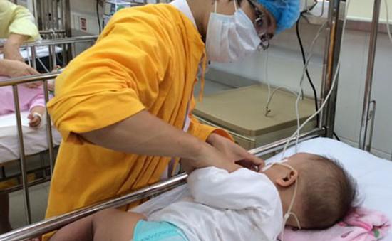 Nhiều ca bệnh tay chân miệng nặng tại Quảng Ngãi