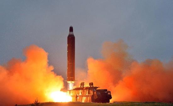 Triều Tiên đe dọa tiếp tục thử tên lửa