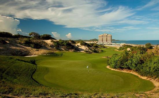 The Bluffs Hồ Tràm Strip lần thứ 2 đạt danh hiệu sân golf tốt nhất Việt Nam