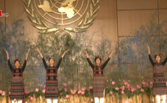 Trình diễn thời trang Việt Nam tại trụ sở Liên Hợp Quốc