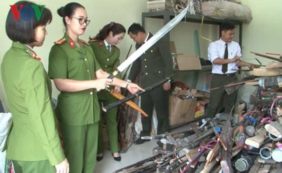 Thu giữ số lượng lớn vũ khí, vật liệu nổ tại Sa Pa