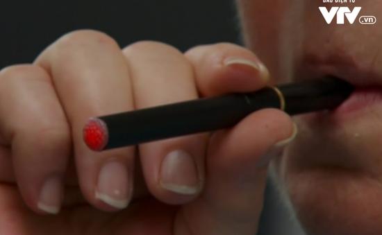 Hơn 10 năm, vẫn tranh cãi xung quanh tác dụng và tác hại của thuốc lá điện tử