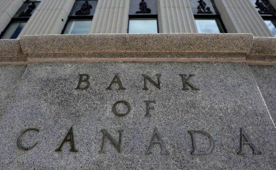 Canada tăng lãi suất lần đầu tiên trong 7 năm