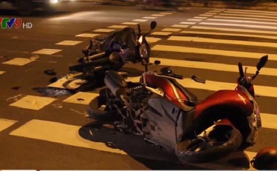 Xe máy chở 3 gây tai nạn trong làng Đại học Quốc gia TP.HCM