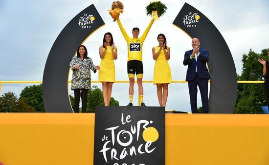 Chris Froome lần thứ 3 liên tiếp giành áo vàng chung cuộc Tour de France