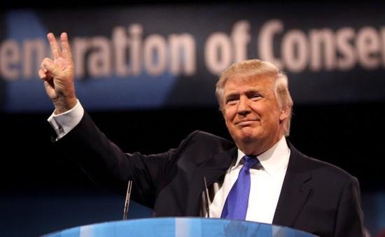 Tổng thống Mỹ Trump ủng hộ 1 triệu USD cho người dân vùng bão lũ