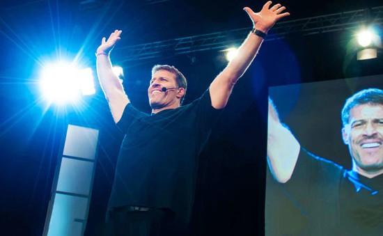 Thói quen đơn giản giúp Tony Robbins thành công