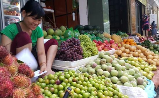 Hà Nội cấm bán hoa quả ở lòng đường, vỉa hè