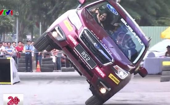 Thót tim với trải nghiệm ô tô mạo hiểm cùng huyền thoại đua xe thế giới