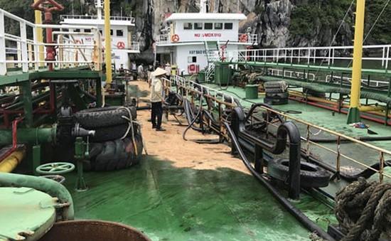 200 lít dầu bị tràn xuống vịnh Hạ Long, Quảng Ninh