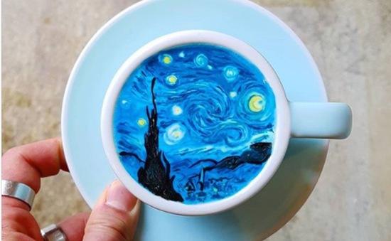 Nổi tiếng Instagram nhờ tài vẽ tranh Van Gogh trên cốc cà phê
