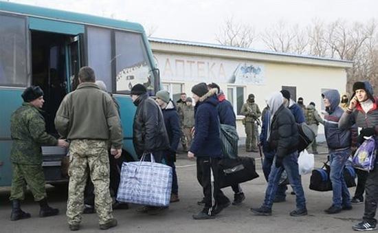 Chính phủ Ukraine và phe đối lập trao đổi hơn 300 tù binh