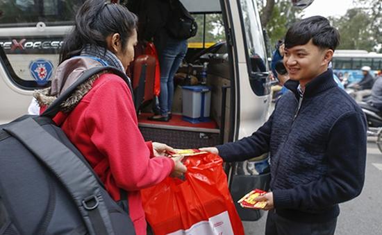 Hà Nội: Gần 1.500 sinh viên được đi xe miễn phí về quê ăn Tết
