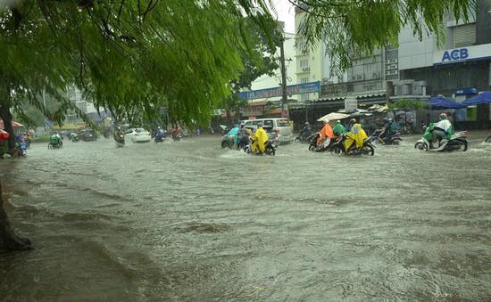 Triều cường kết hợp không khí lạnh gây mưa ở Nam Bộ