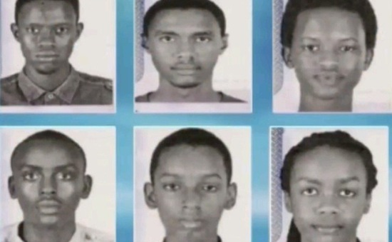 Sáu thiếu niên Burundi thi điều khiển robot tại Mỹ trốn sang Canada