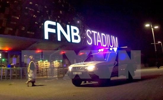 Giẫm đạp trong trận đấu bóng đá ở Nam Phi, ít nhất 2 người chết