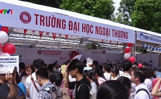 Gần 80 trường ĐH, CĐ tham gia Ngày hội Tư vấn xét tuyển 2017 tại Hà Nội