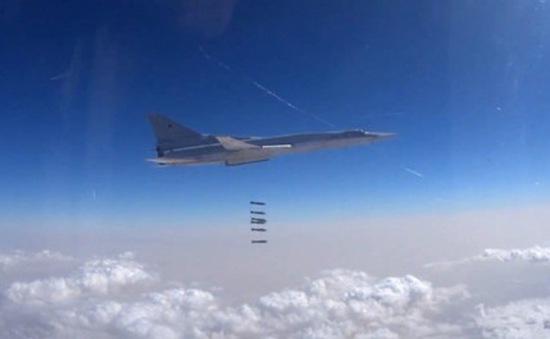Máy bay ném bom Tu-22 của Nga không kích các cứ điểm IS ở Syria