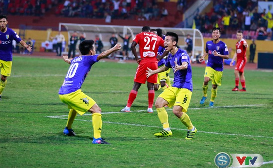 ẢNH: CLB Hà Nội chiếm ngôi đầu bảng giải VĐQG V.League 2017