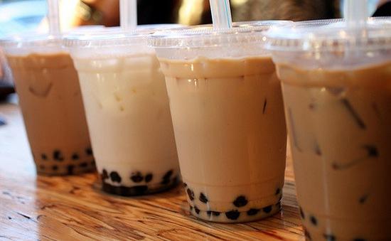 Nguy cơ giảm hormones nam giới khi uống trà sữa trân châu